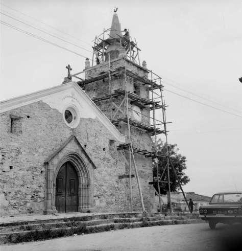 Montalvão igreja em reparação2 - 1967